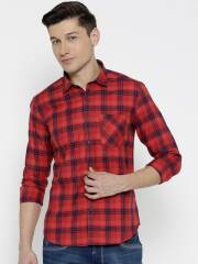numero-uno-men-red-navy-blue-checked-casual-shirt